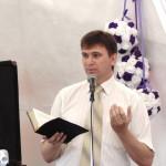 проповедует Александр Слюсарский