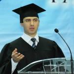 Андрей Мовчан на торжественной церемонии выпуска учеников