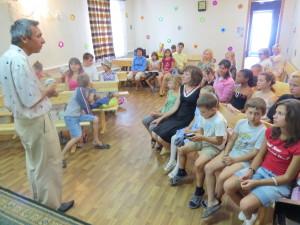 Дети и пастор Тимофей Кирдан