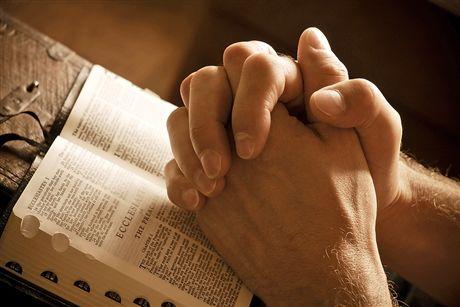 8 признаков того, что вы под духовной атакой