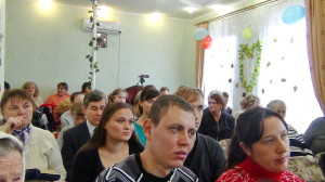 В зале во время служения
