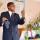 Пастор Рошель проповедует на жатвенном служении