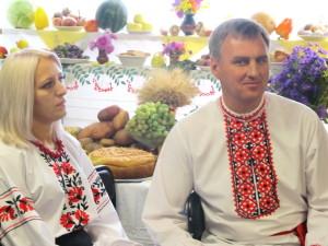 Александр и Оксана - ведущие служеня
