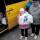 Разгрузка автобуса в Волновахе