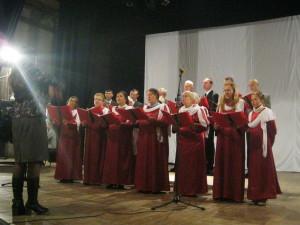 Поет Запорожский хор