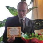 Антон Перепелица со свидетельством о рукоположении