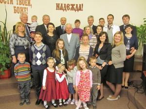 Семья Бегас после вечернего богослужения