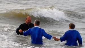 Трудно дойти до места крещения