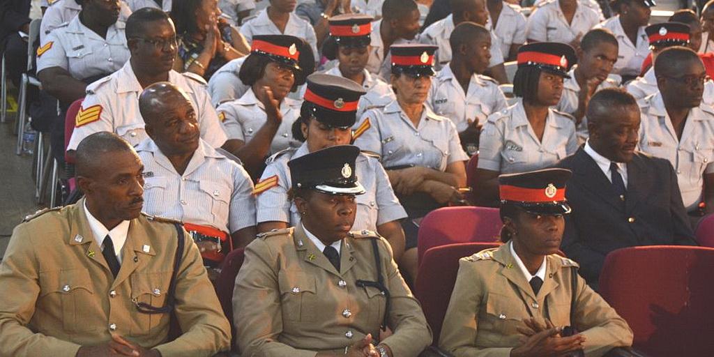 Должностные лица национальной полиции Ямайки (IAD)