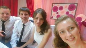 Молодые на свадебном пиру