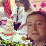 За свадебным столом