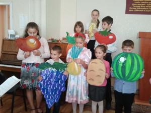 Выступление детей на жатвенном служении