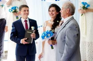 Пастор Степан Дрозд с молодоженами