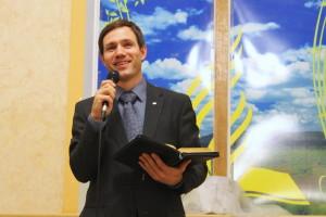 Руководитель молодёжного служения Владислав Матюхин