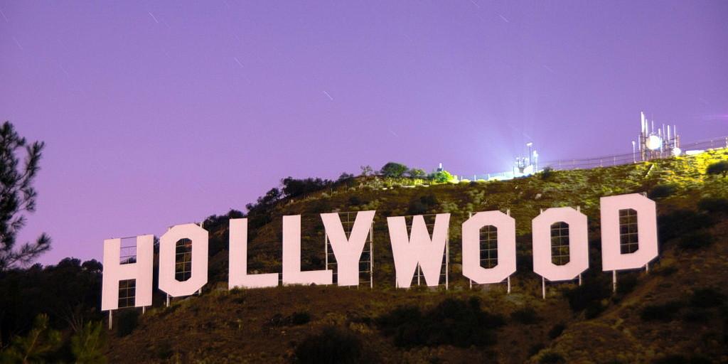 Опознавательный знак Голливуда, видом на Лос-Анджелес. (Pixabay)
