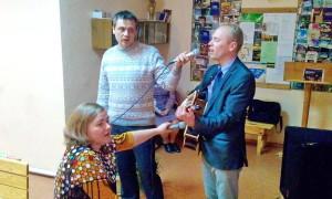 Выступают музыканты из Днепропетровска