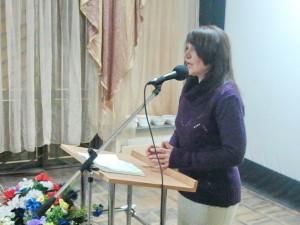 Поет Ирина Гордиенко
