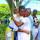 Мать обнимает своего сына после крещения в Папуа - Новой Гвинее. (Фотографии Adventist Record)