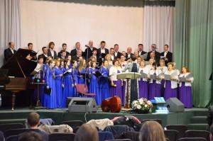 Выступление хора ВДК в Буче. Дирижирует Юлия Дымарь