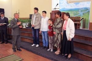 Поздравление новых членов церкви