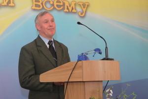 Степан Кампен руководит собранием