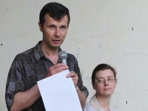 Владимир и Ольга Ярош на концерте, проводимом церковью в микрорайоне