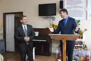 Александр Слюсарский представляет нового служителя