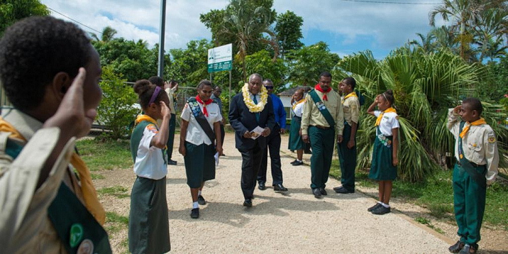 Президент Вануату посетил субботнее богослужение в адвентистской церкви