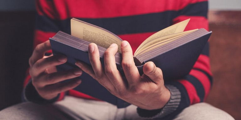 В южном Тихоокеанском регионе молодым людям нужны Библии для приобретения душ