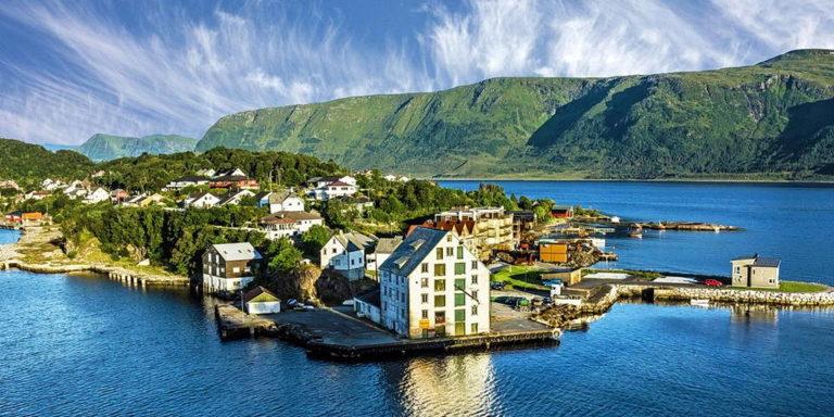Норвежские учителя сохраняют Бога в классных аудиториях
