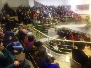 Полный зал Духовного центра