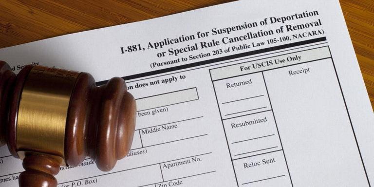 Страх перед депортацией заставляет членов церкви в США не посещать служение