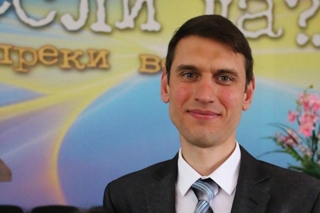 Пастор Руслан Валеев