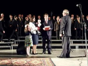 Наставление сыну Виталию дает Виктор Бегас