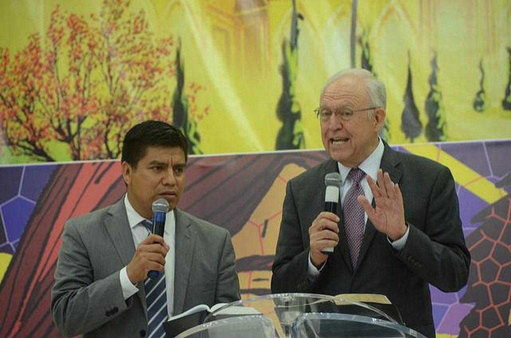 Ларри Эванс, директор служения людям со специальными потребностей в адвентистской мировой церкви. [Фото: Университет Монтеморелос]