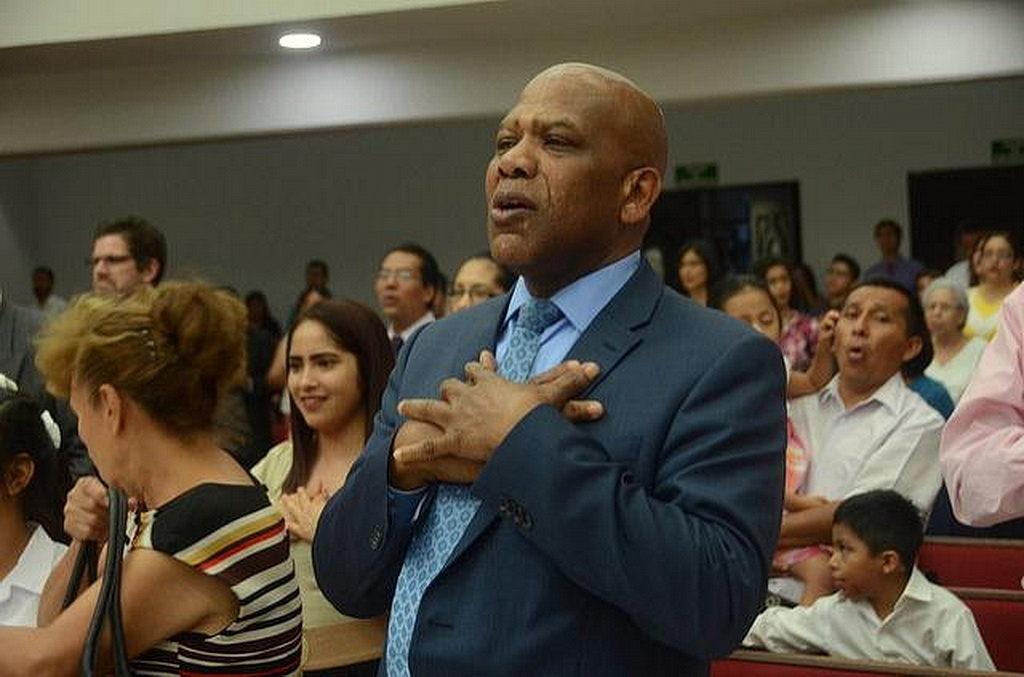 Самуэль Телемак, директор служения людям с особыми потребностями церкви в Интер-Американском регионе. [Фото: Университет Монтеморелос]