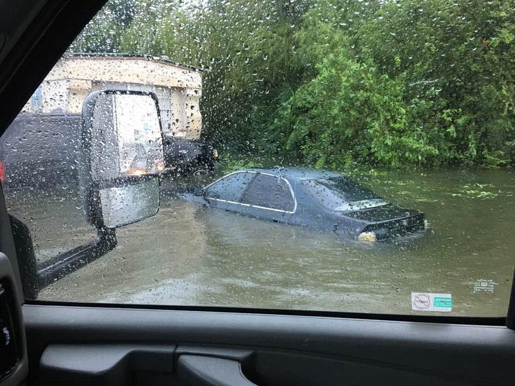 Последствия урагана и наводнений
