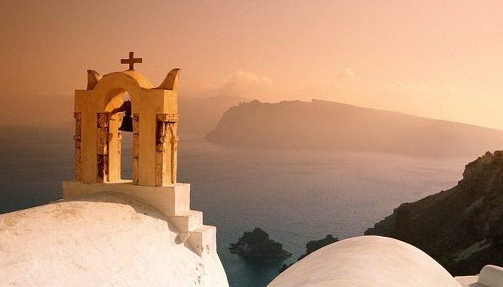 Греческое духовенство ежедневно будет бить в колокола из-за закона об изменении пола