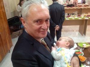 Пастор Александр Розумный с внуком