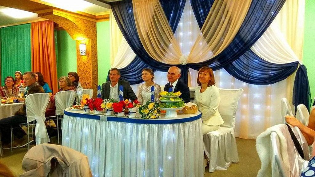 На свадебном пиру