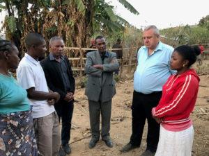 194 человека крестились на Мадагаскаре на программах, прошедших с участием украинского пастора