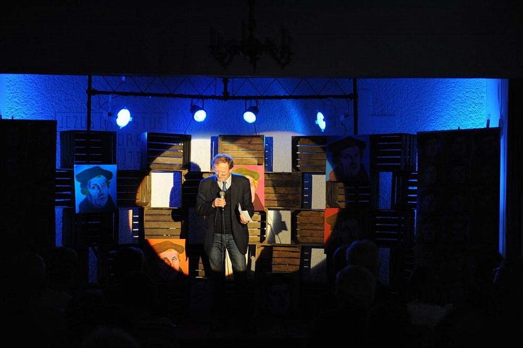 Научная конференция в Кракове, организованном адвентистской молодёжью, объединила экспертов по Лютеру и протестантизму для плодотворных обсуждений и выступлений. [Фото: Новости Трансъевропейского дивизиона]