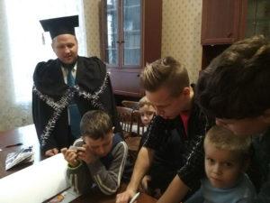 Перед новым годом Мелитопольская церковь организовала библейскую игру для детей