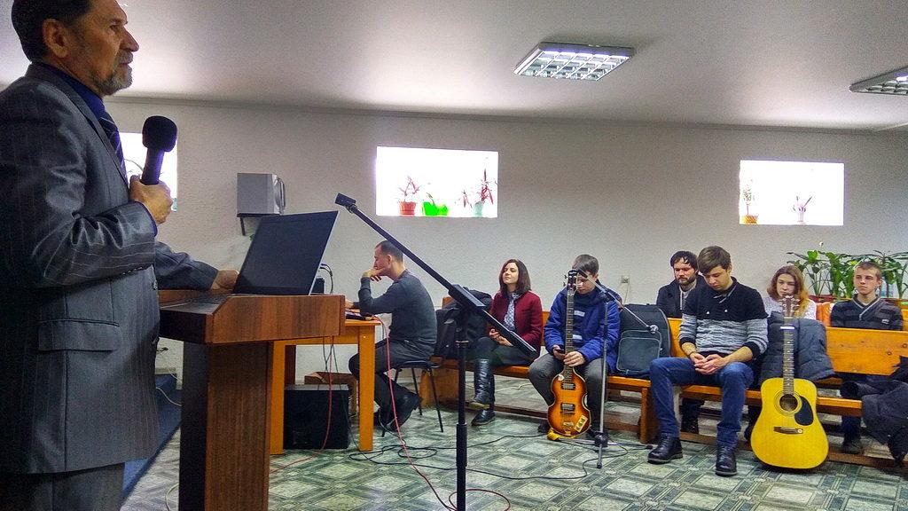 Четыре дня в Кривом Роге Сергей Молчанов проводил молодёжные встречи