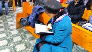 Посетители получили Библии