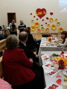 На романтическом вечере «Обещаю дорожить» в Днепре проводили техосмотр и необходимый ремонт супружеских отношений