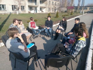 Очередная сессия школы молодёжных лидеров обучала молодежь практическим дисциплинам