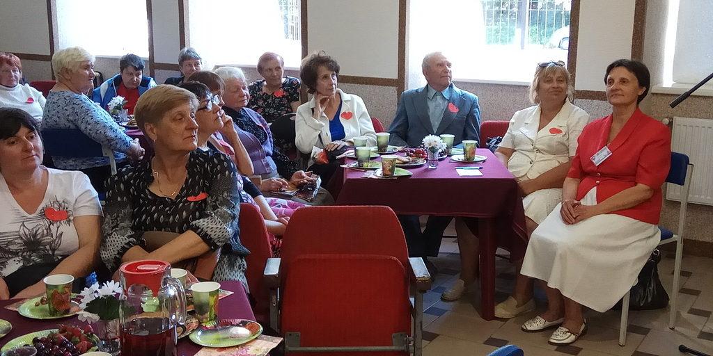 Вечер памяти Анны Герман провели харьковчане для жителей района