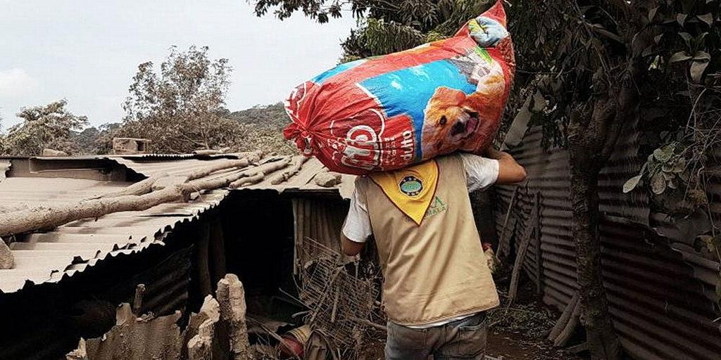 После извержения вулкана в Гватемале адвентистские семьи потеряли урожай и свои дома