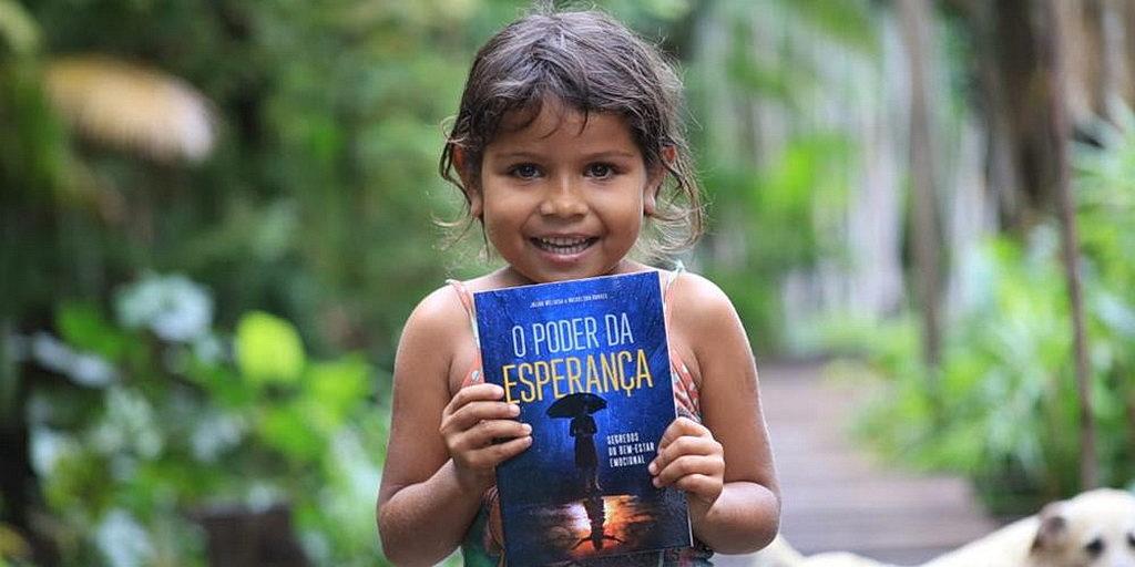 Бразильский плавучий грузовик используется в качестве адвентистской стартовой площадки для распространения надежды